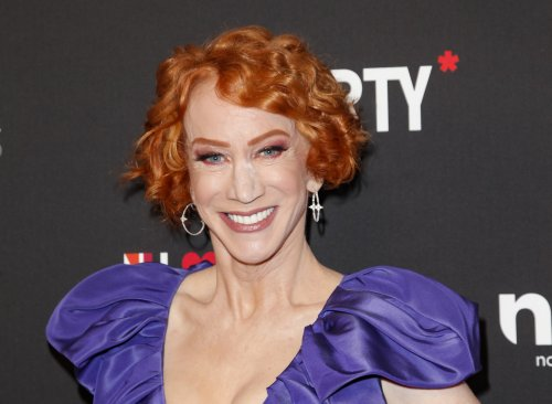 Celebrities rally support for Kathy Griffin after her lung cancer diagnosis