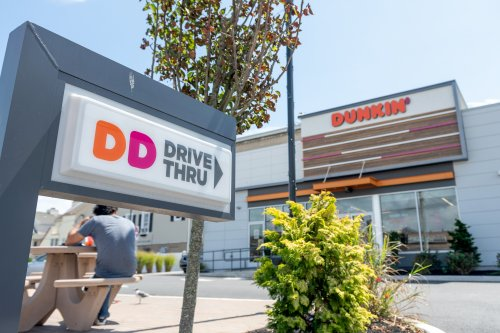 Elderly Man dies after being punched in Dunkin' over racial slur confrontation