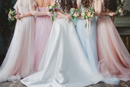 """Bride tells bridesmaids """"hit the gym"""" until they are size 8 in brutal message"""