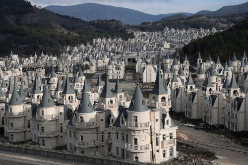 500 abandoned Disney-esque castles found inside ghost town