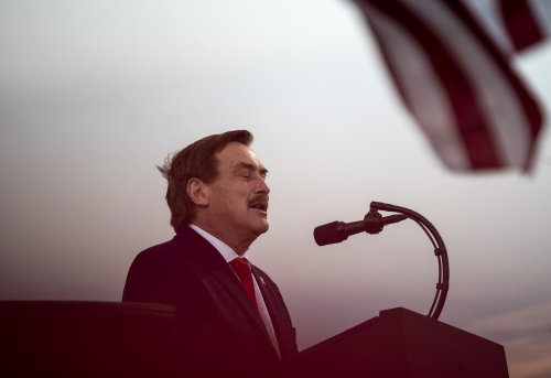 """Mike Lindell slams Fox News and Newsmax """"cowards"""" during Frank rally: """"Shame on you"""""""