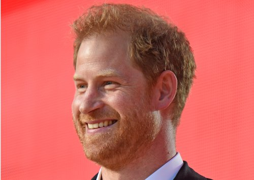 Prince Harry moves past royal rift with New York military awards
