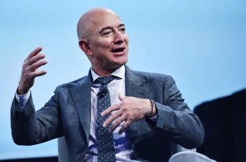 Petition to stop Jeff Bezos re-entering Earth after space flight signed by thousands