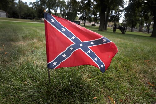 Judge orders New York woman to remove Confederate flag or risk custody of biracial child
