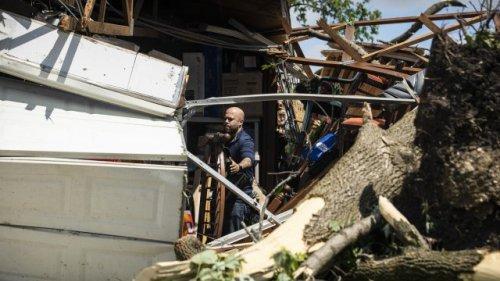 Tornado Sweeps Through Suburban Chicago