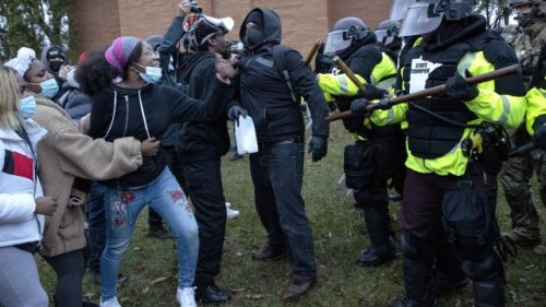 Minnesota Police Fire Tear Gas At Protesters