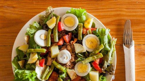 The Summer Magic of a Classic Salade Niçoise