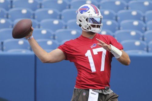 Buffalo Bills' Josh Allen throws out first pitch at Blue Jays and Yankees game (Watch)