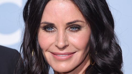 This Revelation About Matthew Perry And Courteney Cox Is Turning Heads