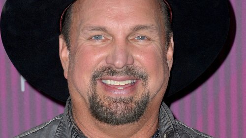 How Garth Brooks' Past Came Back To Haunt Him At The CMTs