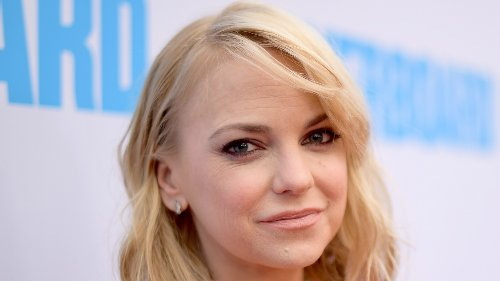 The Real Reason Anna Faris Is Leaving Mom