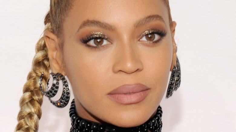 Who Bit Beyonce And Other Awkward Celeb Encounters With Queen Bey