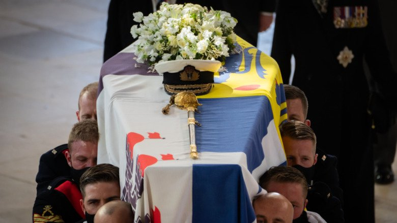 The Secret Way The Queen Left Philip A Message At His Funeral