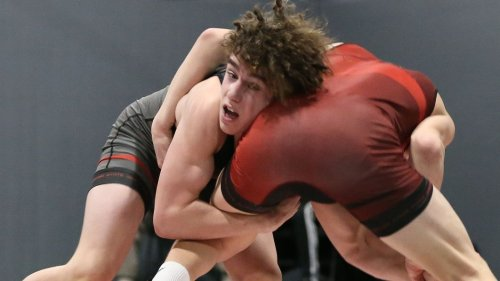 Super 32 wrestling results: Frosh wins 'biggest HS match in history'; 4 N.J. champs place