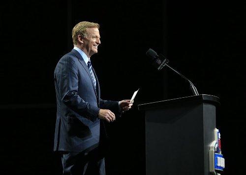 NFL Draft 2021: Latest 1st-round mock after Sam Darnold Panthers-Jets deal; Patriots trade up for franchise QB; Eagles make splash for top playmaker
