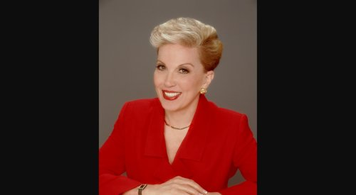 Dear Abby: Female workers prefer to maintain professionalism