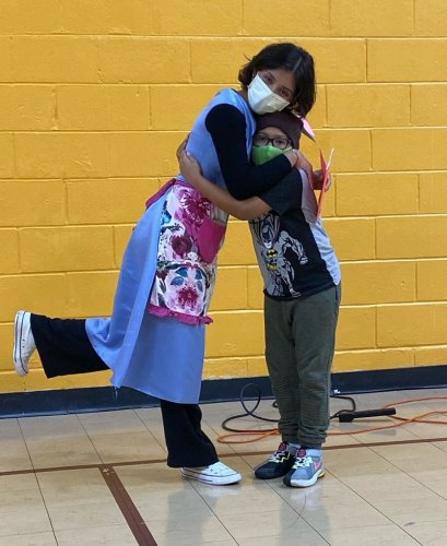 W.H.A.T.'s bilingual adaptation of 'Alice in Wonderland' kicks off Youth Stage