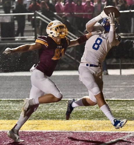 Friday Football Report: Quarterbacks play important roles in final Class 5A district seeding games