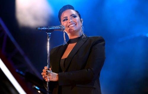 "Demi Lovato says calling extraterrestrials ""aliens"" is derogatory - CoinTuta"