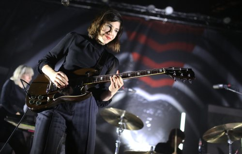 Sleater-Kinney release Amazon-exclusive EP 'Live At The Hallowed Halls'