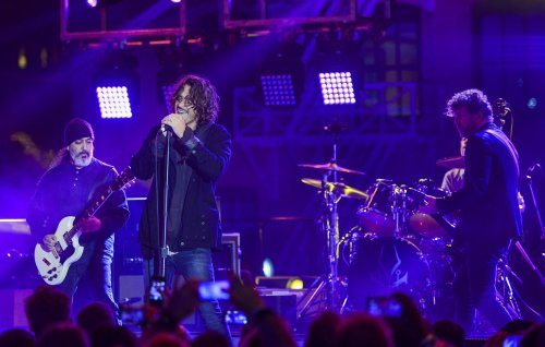 Soundgarden and Chris Cornell's widow reach temporary agreement over band's social media accounts
