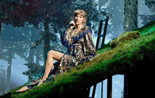 """Taylor Swift on creating """"the same but better"""" version of 'Fearless'"""
