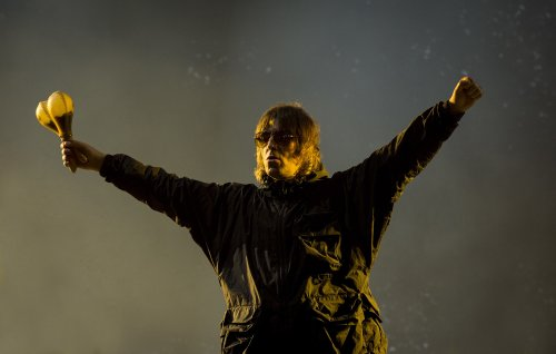 Liam Gallagher cancels Belfast show after breaking his nose following helicopter accident