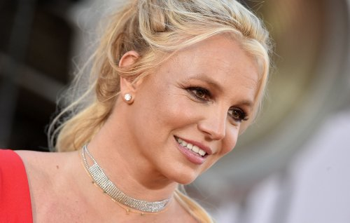 """Britney Spears makes public statement after conservatorship hearing: """"I apologize for pretending like I've been OK"""""""