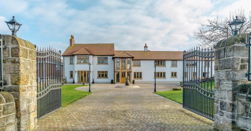 Enormous Notts mansion has its own indoor pool and gym