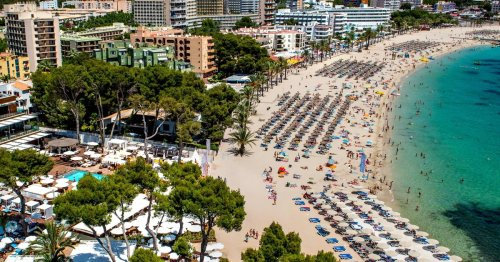 Spain gives green light to UK holidaymakers - and won't ask for a PCR test