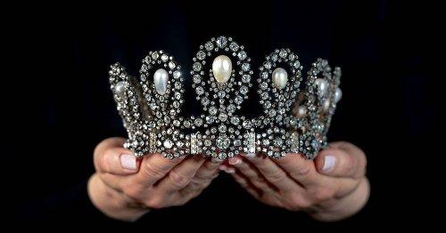 Even virtueel een royal tiara passen