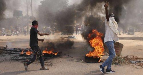 « Coup d'État » au Soudan, des militaires arrêtent le Premier ministre et des dirigeants civils