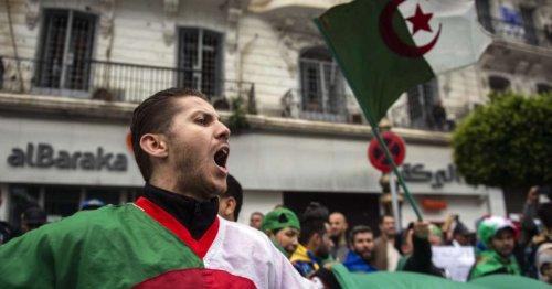 « Toute l'Algérie du monde », colosse aux pieds d'argile