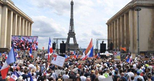 Lille, Strasbourg, Paris… Des milliers de manifestants dans les rues contre le pass sanitaire