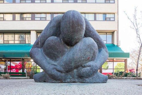 Hidden Toronto: The Unknown Student statue in the Annex