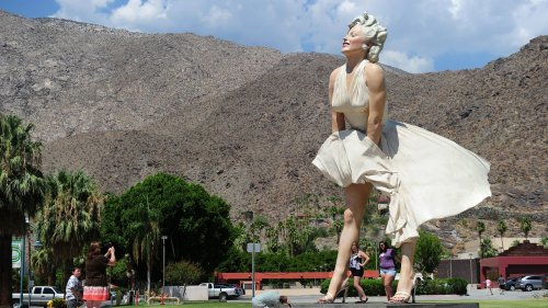 Giant Marilyn Monroe Statue Returns To Palm Springs, But Its Backside Faces Backlash