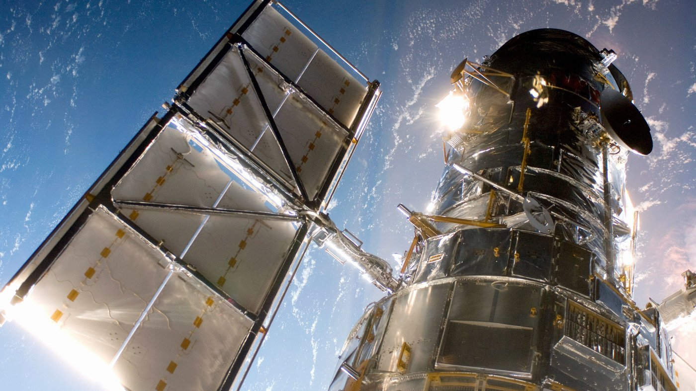 The Computer Trouble with the Hubble Space Telescope