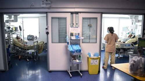 3,000 Health Care Workers In France Have Been Suspended For Not Getting A COVID Shot