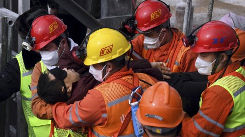 11 Miners Rescued In China After 2 Weeks Trapped Below Ground
