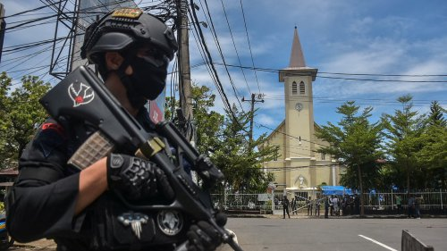 Indonesia Church Bombing Wounds 20 On Palm Sunday