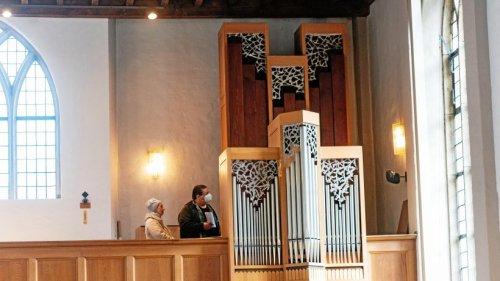 Rees: Organist bot letzte Orgelführung vor dem Abbau an