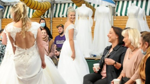 Wiesn in Moers wird über Nacht zum Hochzeitsmesse-Zelt