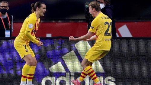 Koeman wint eerste prijs met Barcelona door ruime zege in bekerfinale