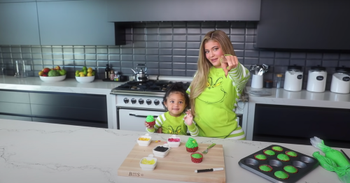 Baby Stormi Saves Christmas With Her Grinch Cupcake Tutorial