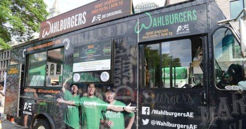 <em>Wahlburgers</em> Crew Giving Away Free Wahlburgers Today