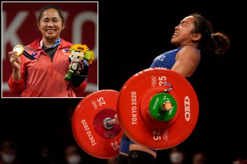 Filipino weightlifter gets $660K, 2 houses and free flights for winning gold