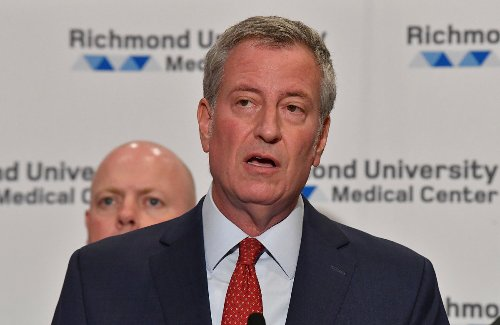 Bill de Blasio thinks he's 'saving' by putting bills on the credit card