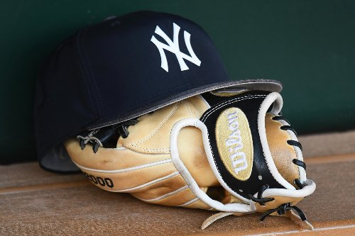 Yankees' COVID outbreak reaches nine as staffer tests positive