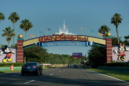 Florida man brought assault rifle, handgun to Disney World vacation