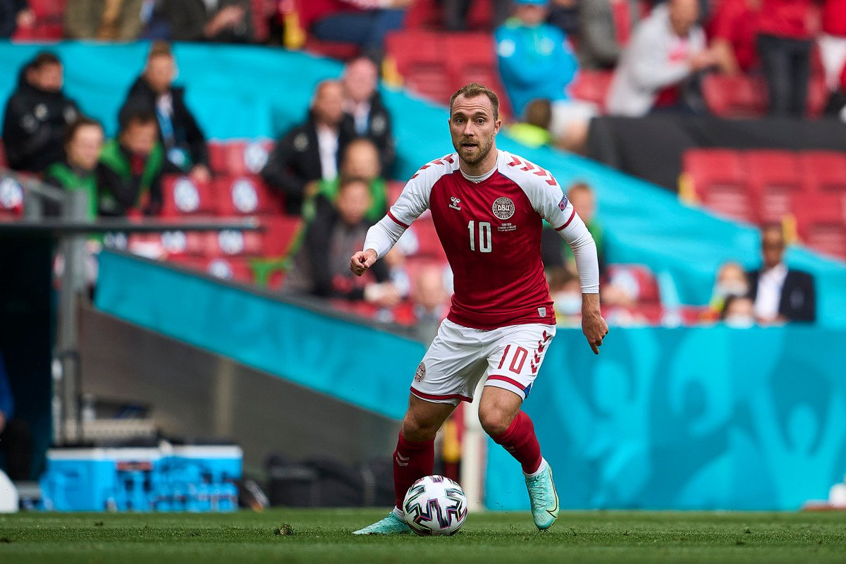 Christian Eriksen in stable condition after collapsing during Euro 2020 game